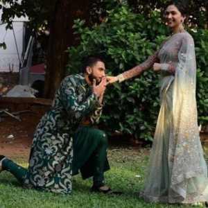 Ranveer Proposes Deepika Padukone